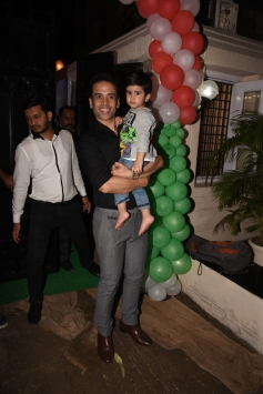 Tusshar Kapoor Christmas Party 2017 At His Residence