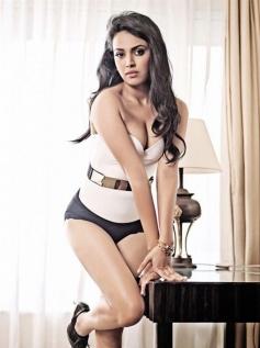 Swara Bhaskar Photoshoot Pictures