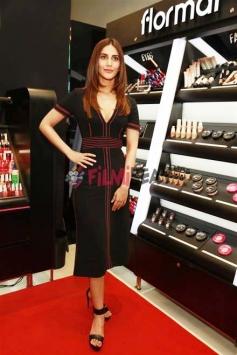 Vaani Kapoor At Launch Of Flomar From Reliance Trends In Gurugram