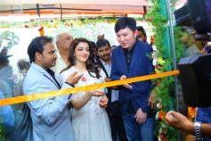 Kajal Agarwal Inaugurated Happi Mobiles At Karimnagar