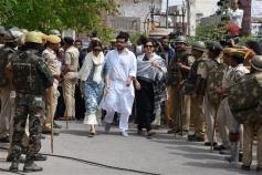 Saif Ali khan, Tabbu, Neelam, Sonali At Jodhpur Court For Hearing Of Black Buck Pouching Case Photos