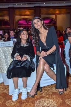 Sushmita Sen Facilitated At I Am Woman Awards Photos