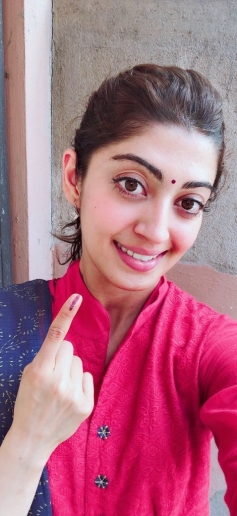Kannada Celebrities Who Casted Their Vote For 2018