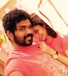 Nayantara And Vignesh Romantic Photos