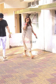 Neha Dhupia With Her Husband Angad Bedi Spotted At Juhu