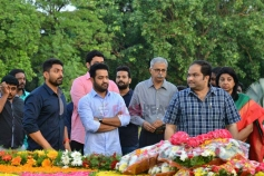 NTR Family Memebers Visited NTR Ghat At Hyderabad On NTR's Birth Anniversary
