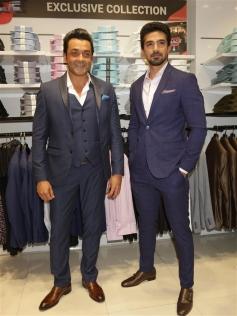 Boby Deol and Shaqib Saleem Promotes Race 3 in Delhi Photos