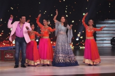 Dancing Uncle Sanjeev's Dream To Meet Govinda Comes True On Colors Dance Deewane Photos