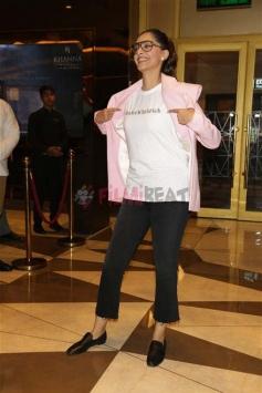Sonam Kapoor Meets Fans During Screening Of Veere Di Wedding In Delhi Photos