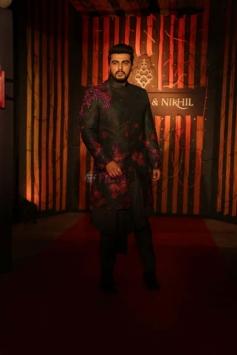 Arjun Kapoor & Parineeti Chopra Walked RampFor Designer Shantanu And Nikhil Photos