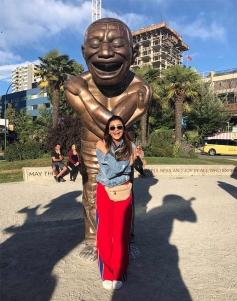 Daisy Shah Holidays In Cannada