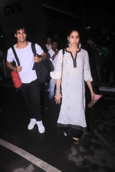 Janhvi Kapoor And Ishaan Khattar Spotted At Airport Photos