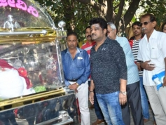 Celebs Pay Last Respect To Loknath