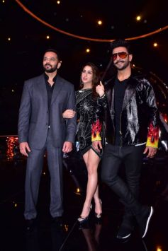 Ranveer Singh, Sara ali Khan & Rohit Shetty At Indian Idol 10