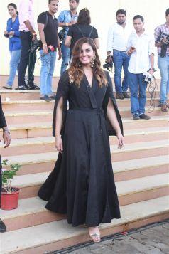 Sonakshi Sinha Promote Happy Phirr Bhag Jayegi On The Sets Of India\'s Best Dramebaaz
