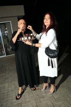 Alia Bhatt & Pooja Bhatt Celebrate Mahesh Bhatt Birthday