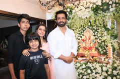 Sonu Sood Celebrates Ganesh Chaturthi 2018 With His Family