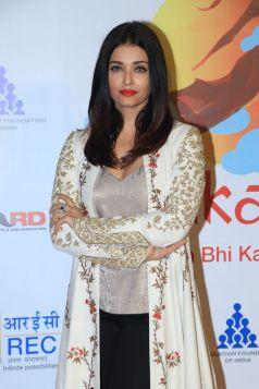 Aishwarya Rai Bachchan, Farhan Akhtar & Others At Population foundation Of India