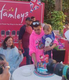 Karan Johar Twins Rohini And Yash Birthday Celebration