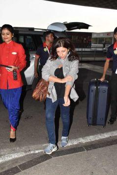Ranveer Singh, Alia Bhatt & Zoya Akhtar Off To Delhi For Gully Boy Promotion
