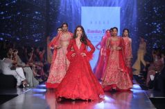 Celebs Walks The Ramp At Bombay Times Fashion Show 2019