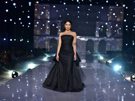 celebs-showstoppers-lakme-fashion-week-w-f-2019_156675792980.jpg