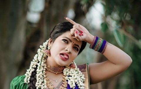 Tamil Actress Pandian Stores Fame Chitra kamaraj Rare And Unseen