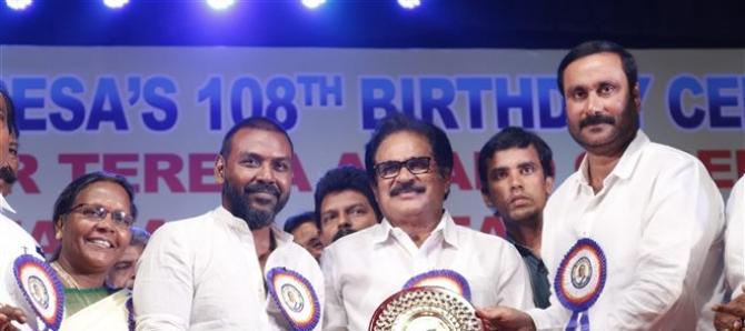 Ragava Lawrance Received Annai Therasa Award