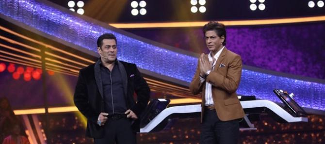 Salman Khan host Shahrukh Khan on Dus Ka Dum - Dumdaar Weekend
