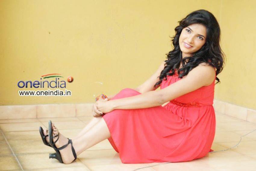 Neha (telugu Actress) Photos