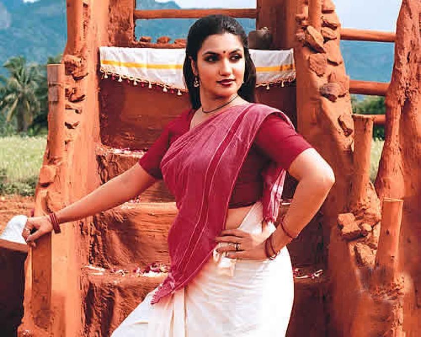 Suganya Photos