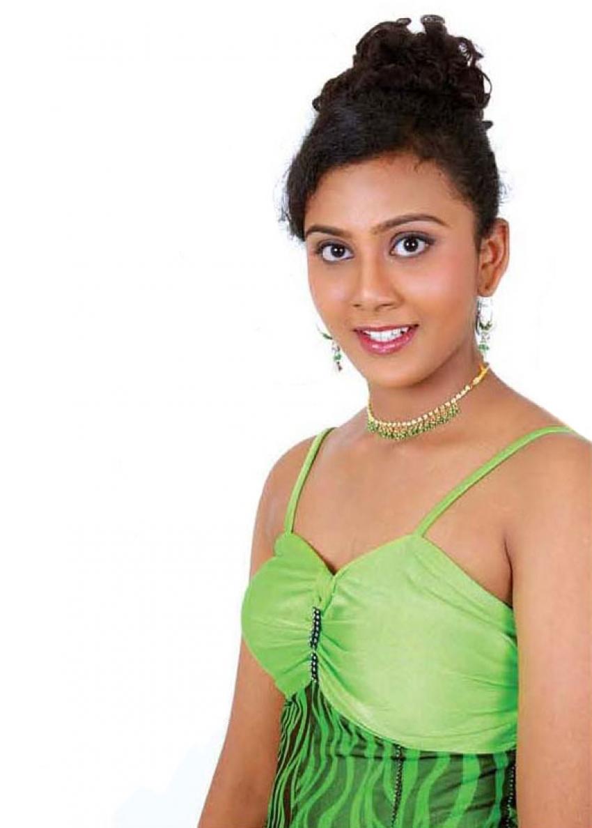 Tharshana Photos
