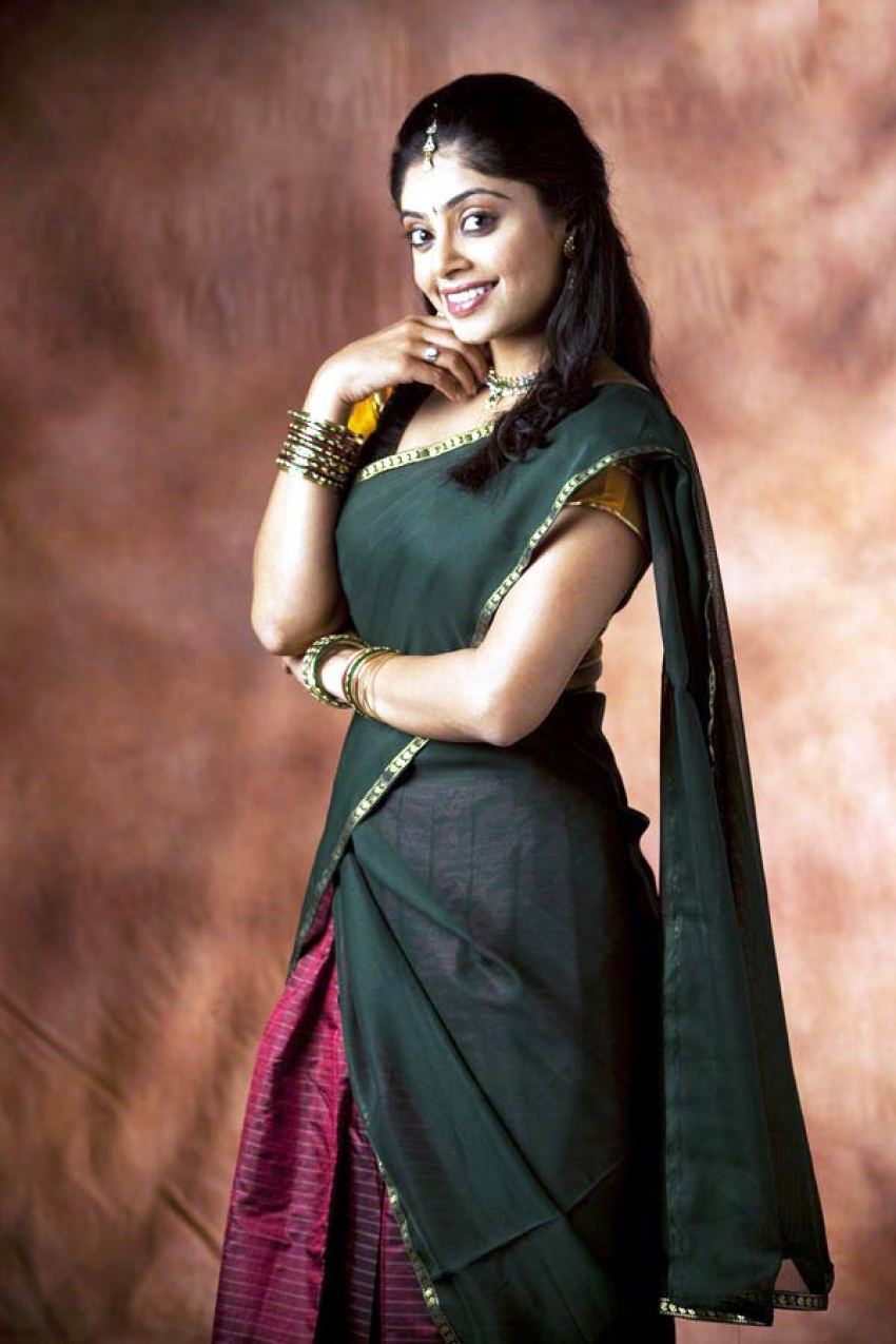Bhavana rao photos latest images of bhavana rao filmibeat altavistaventures Gallery