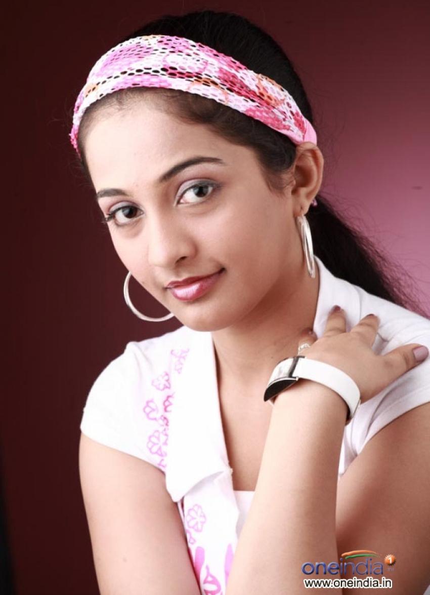 Athulya Photos