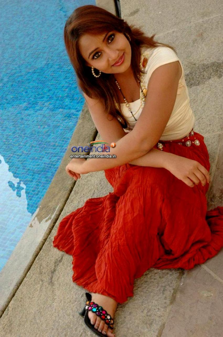 Ravali Photos