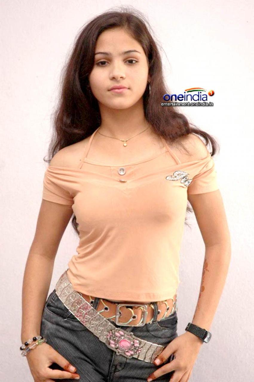 Zareen Khan Photos