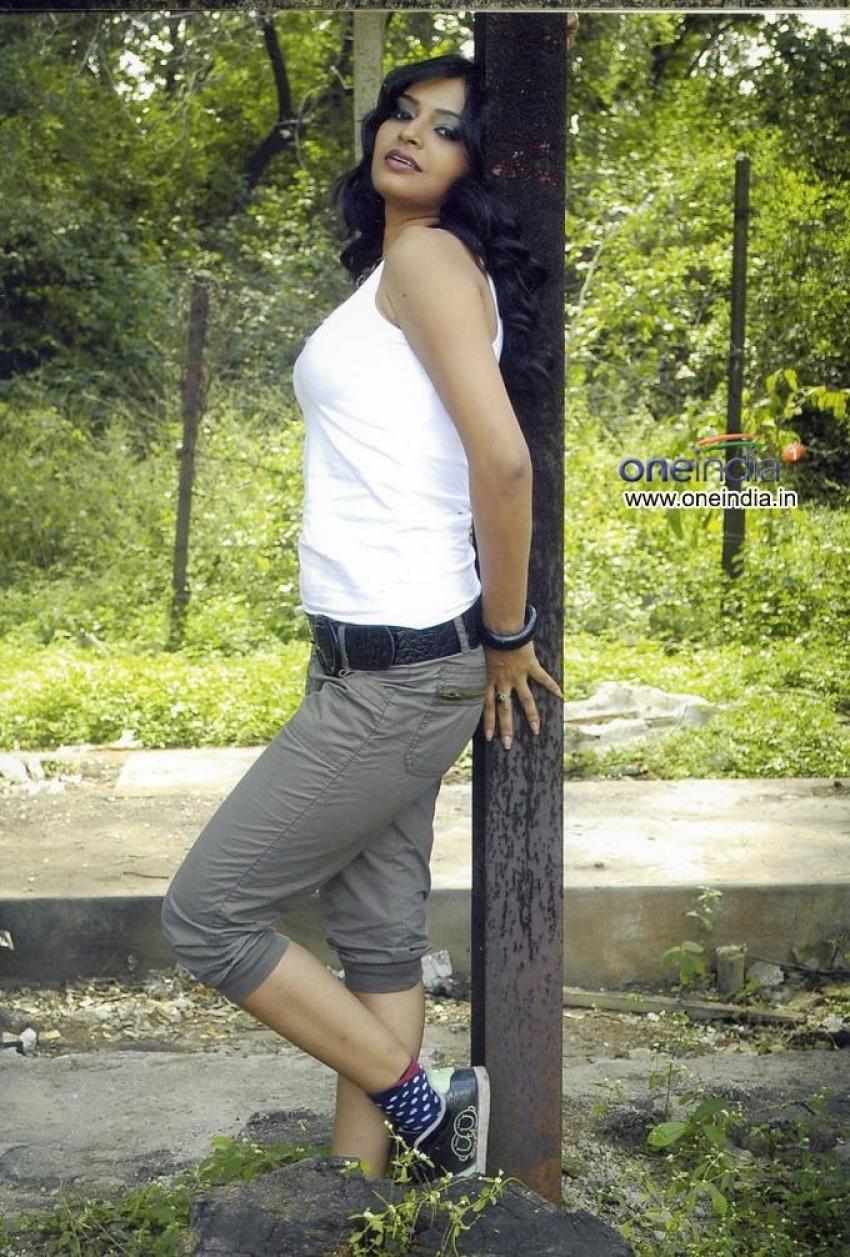 Deyyam Vunda Photos