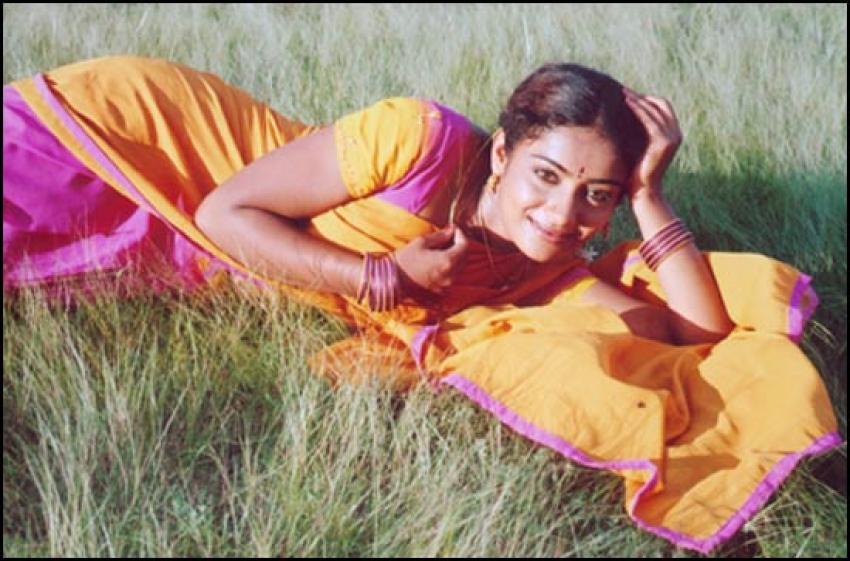 Meera Vasudevan Photos