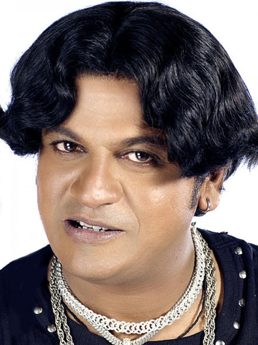 Satya In Love Photos