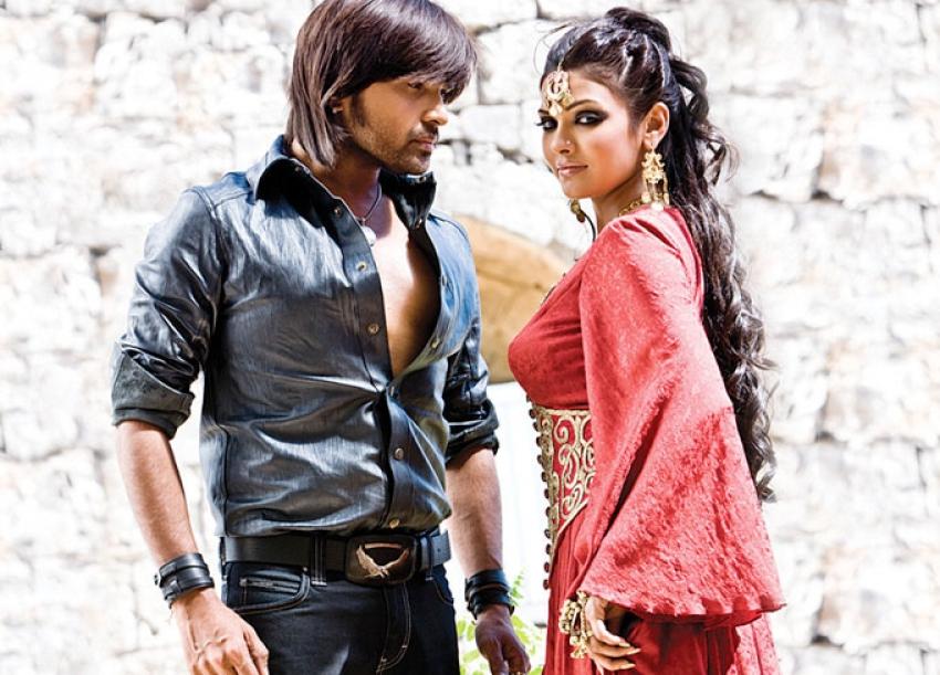Kajraare Photos: HD Images, Pictures, Stills, First Look Posters of  Kajraare Movie - FilmiBeat