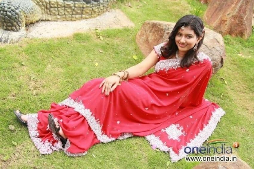 Yare Ni Dhevathe Photos