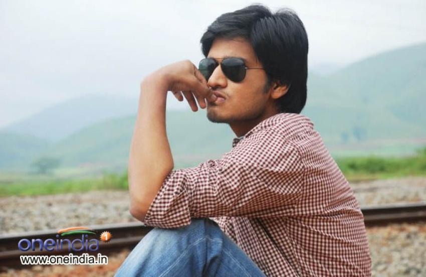 Alasyam Amrutham Photos