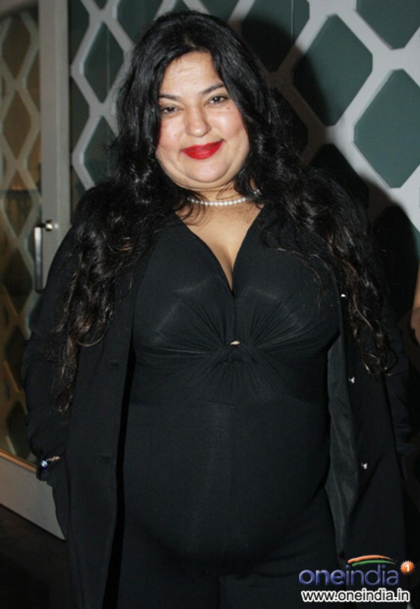 Dolly Bindra Photos