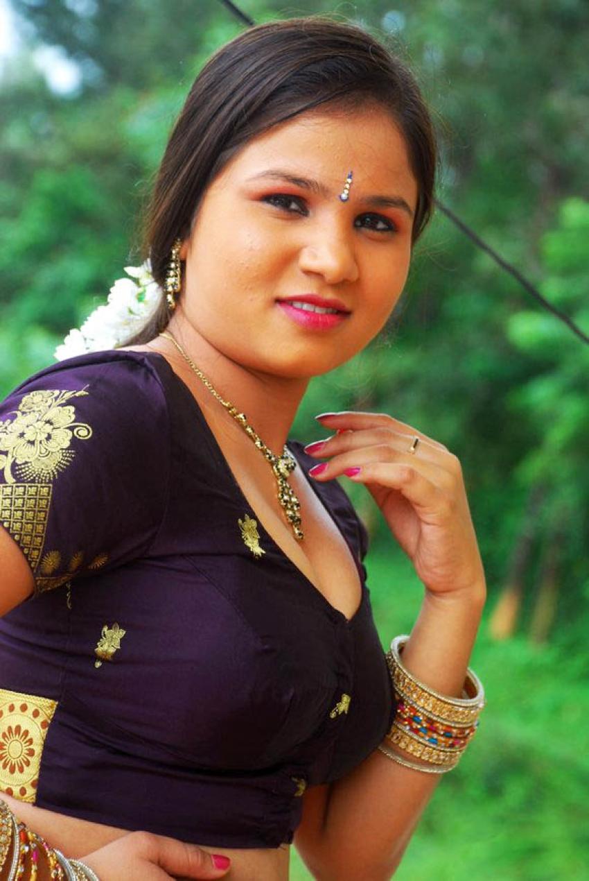Kalla Parunthu Photos