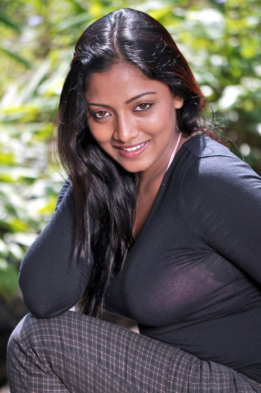 Mounamana Neram Photos