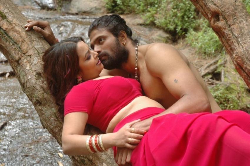 Thiruttu Sirukki Photos