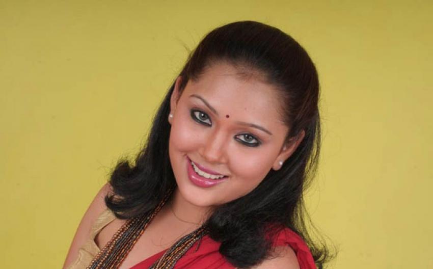 Naane Varuven Photos