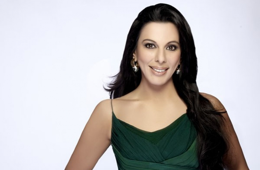 Pooja Bedi Photos