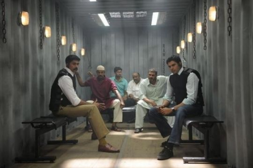 Unnaipol Oruvan Photos