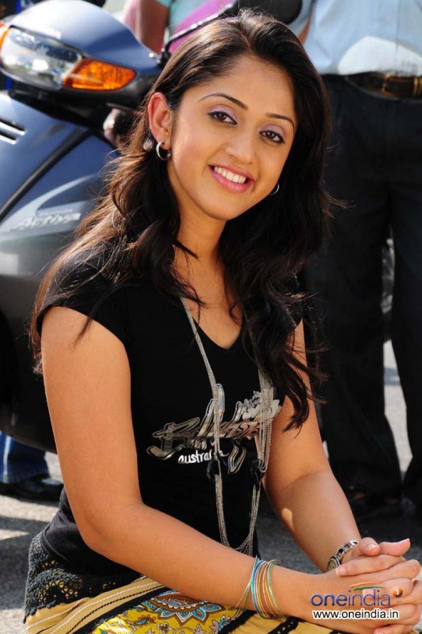 betting bangarraju actress nidhi dutta